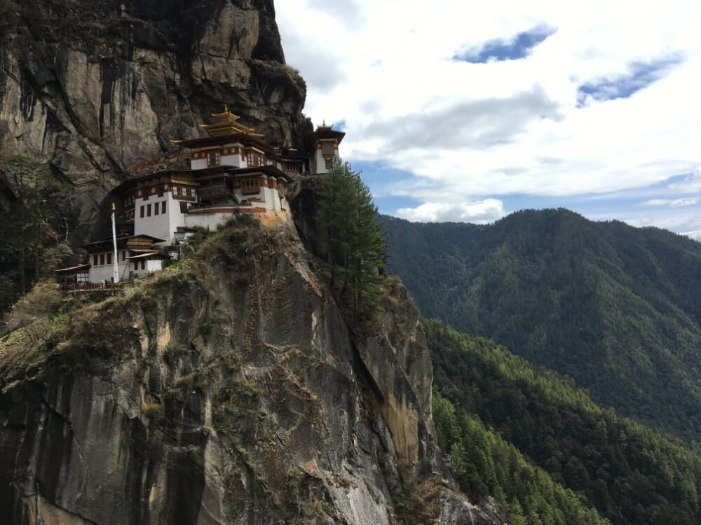 7 Nights western bhutan travel with Lungchutse Temple & Tango Monastery_D7_Tiger's Nest_own pic